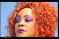 Showbiz : Lady Glamour, mère de DJ Arafat, menace les copines et managers de son fils