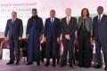 De gauche à droite : S.E.M Mohamed Ould Abdoul Aziz, Président de la République Islamique de Mauritanie, S.E.M Idriss Deby Itno, Président de la République du Tchad, S.E.M Issoufou Mahamadou, Président de la République du Niger, Chef de l'Etat, M. André Parant Secrétaire Général Adjoint du Quay d'Orsay, Mme Soukayna Kane, Directrice des Opérations de la Banque Mondiale pour le Mali, la Guinée, le Niger et le Tchad, M. Abdoulaye MAR DIEYE, Directeur du Bureau Régional du PNUD pour l'Afrique