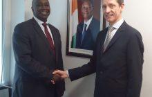 Monsieur Aly Touré, Représentant Permanent de la Côte d'Ivoire auprès des Organisations Internationales de Produits de Base et Monsieur Arnaud Petit, nouveau Directeur Exécutif du Conseil International des Céréales (CIC).