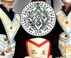Fraternité maçonnique: De la liberté d'initier des femmes et d'affilier des Sœurs au GODF.
