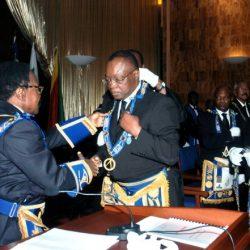 Société civile libre : Le Professeur Albert Ondo Ossa s'adresse aux Francs-Maçons du Gabon